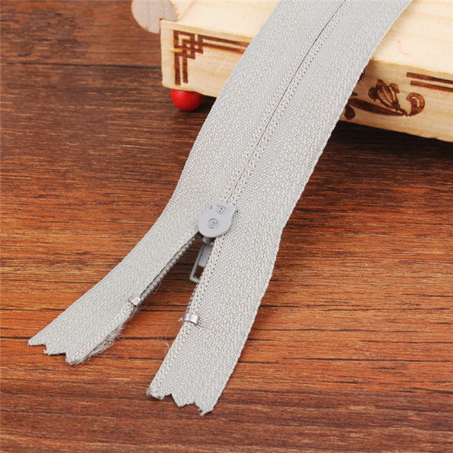 Manufacturer Wholesale Double Open Nylon Zipper Color Clothing Zipper Automatic Head Direct Sale
