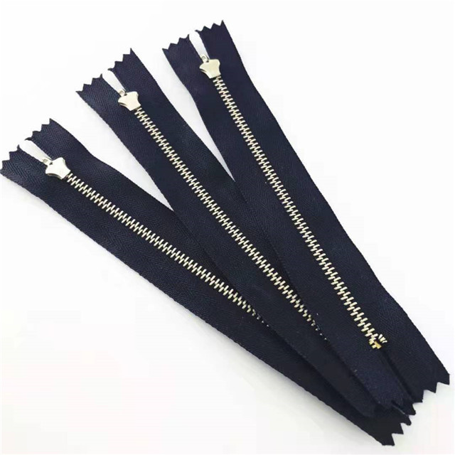 Zipper Manufacturer Wholesale Custom 5# 10#Teeth Close-end Metal Zipper For Garments Bags
